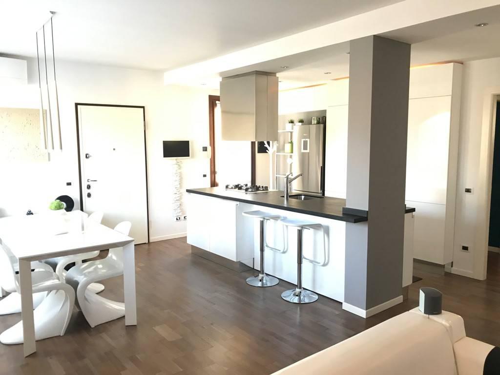 foto soggiorno 3-room flat via Filippo Turati, Gorle