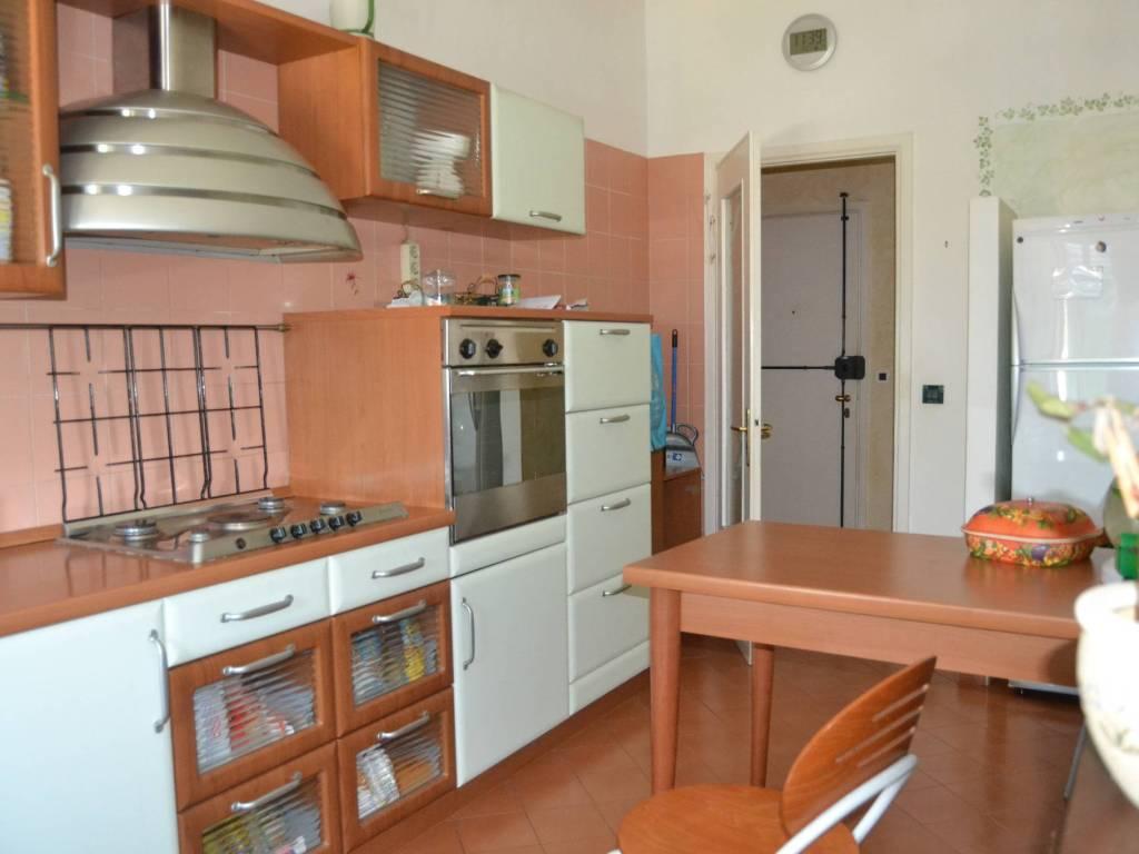 foto cucina Quadrilocale via Roma 39, Ronco Biellese