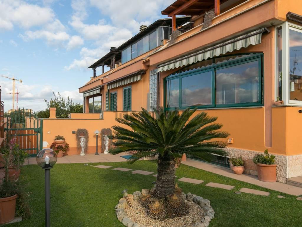 Vasche Da Bagno Oceano Prezzi : Vendita villa bifamiliare in via oceano atlantico pomezia ottimo