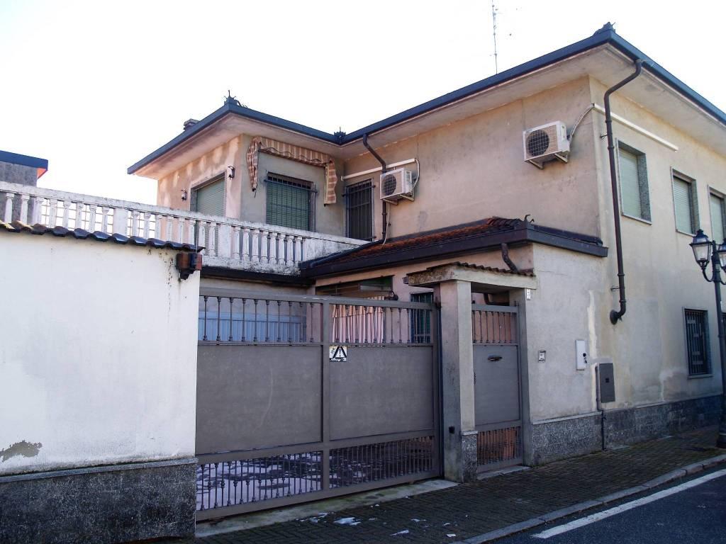 foto Facciata Villa bifamiliare corso Giuseppe Garibaldi, Costanzana