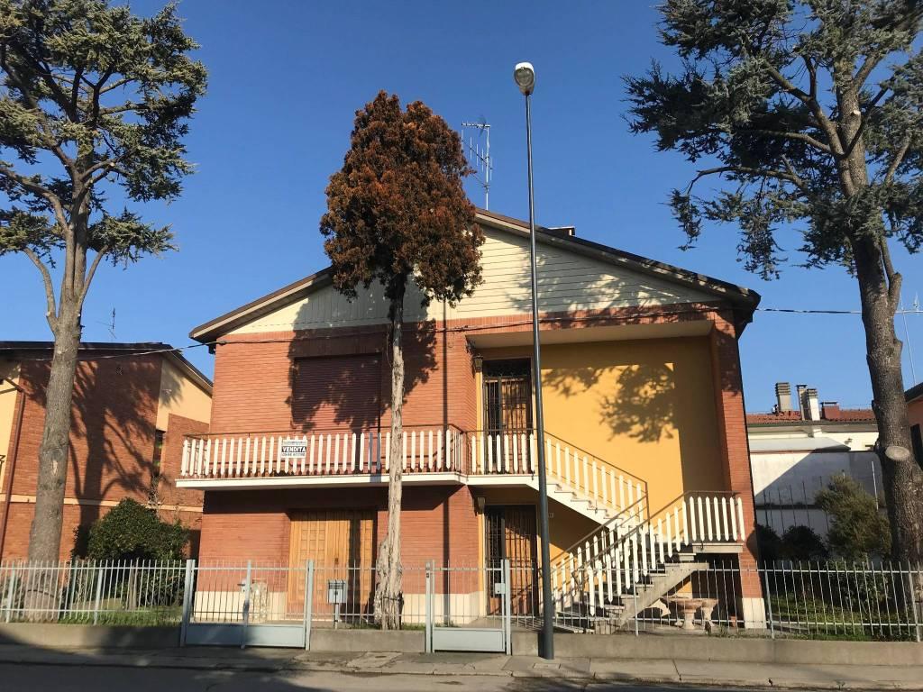 foto  Villa unifamiliare via Val Gardena 3, Ravenna