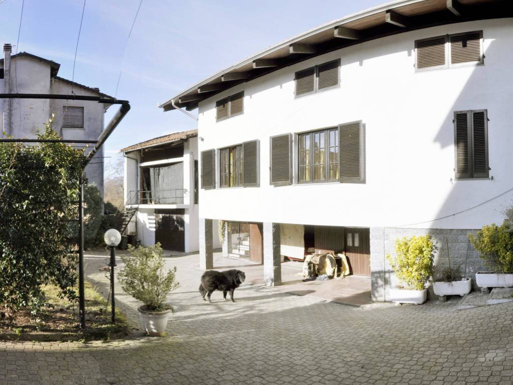 foto  Single-family townhouse 118 sq.m., good condition, Val di Chy