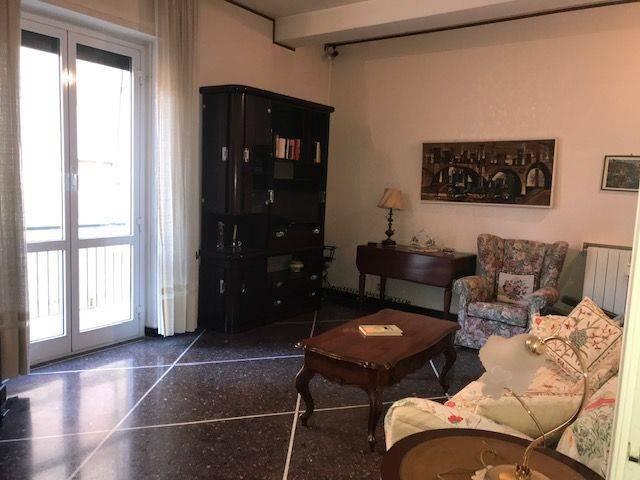 Bagni Pescetto : Vendita appartamento albisola superiore. trilocale in via dei