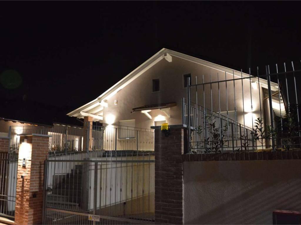 foto  Villa bifamiliare via Borgarello, Cambiano