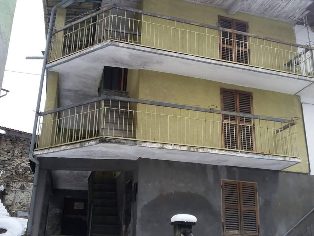 foto  Detached house 75 sq.m., to be refurbished, Viù