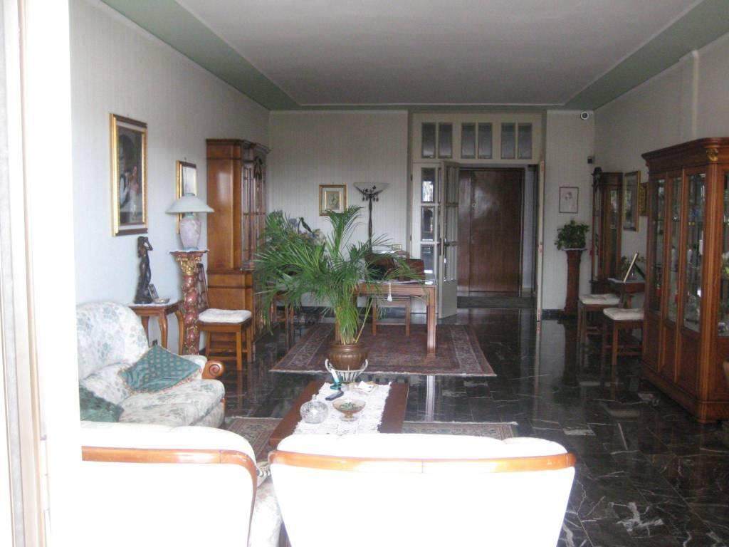 Armadio A Muro Rovigo.Vendita Appartamento In Via Giovanni Rovigo Buono Stato
