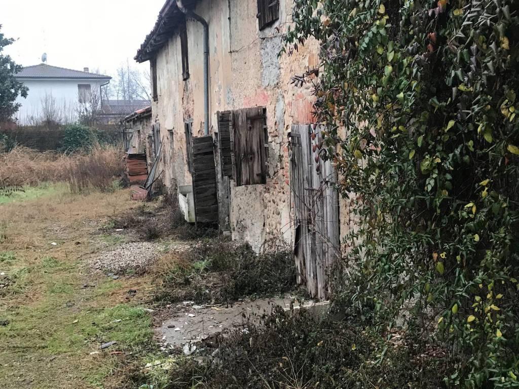 foto  Casa indipendente via Giuseppe Mazzini, Roverbella