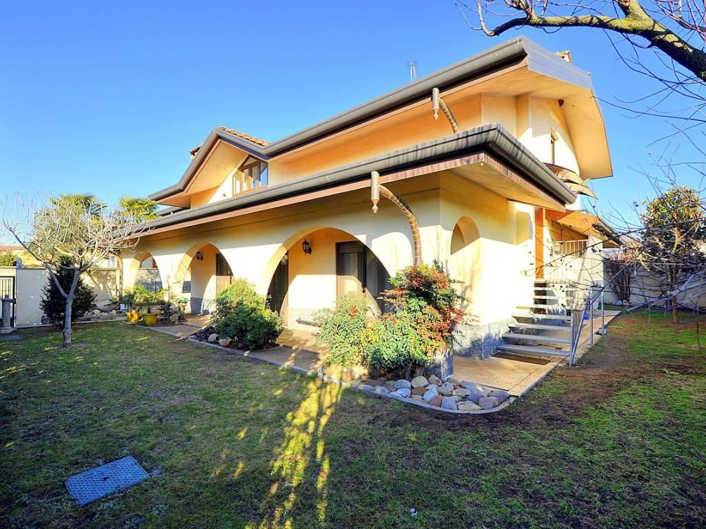 foto  Single family villa via della Pace 28L, Casorezzo