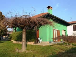 Foto - Villa unifamiliare via Nenni, Varallo Pombia