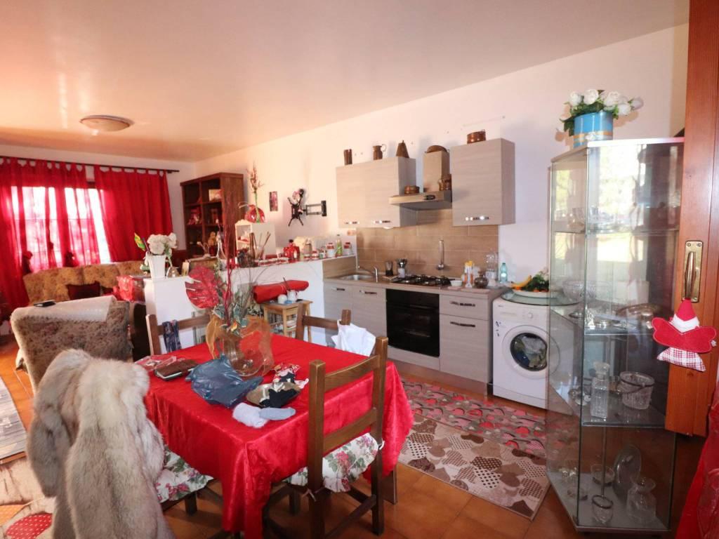 foto salone Villa unifamiliare, buono stato, 190 mq, Nereto