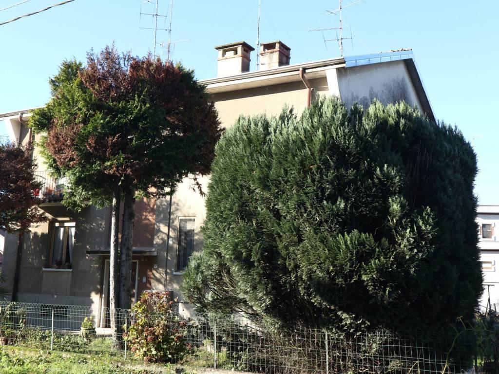 foto esterno 2-room flat via Santa Maria in Binda, Nosate