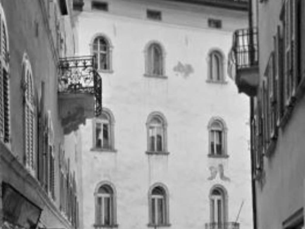 foto il palazzo Attico piazza Mario Pasi, Trento