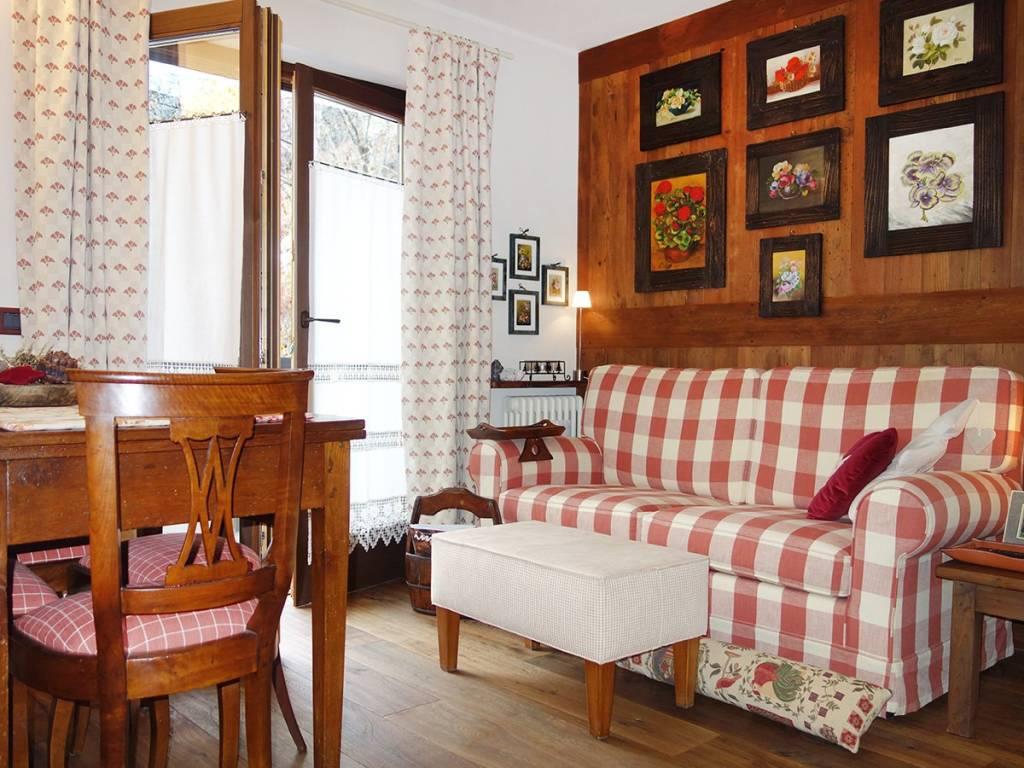 foto Soggiorno 2-room flat Strada La Ruine, Morgex