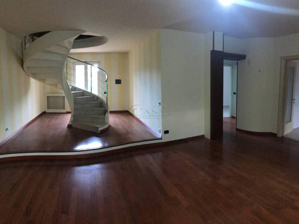 foto Villa bifamiliare Villa bifamiliare via Duca degli Abruzzi, Calcinato