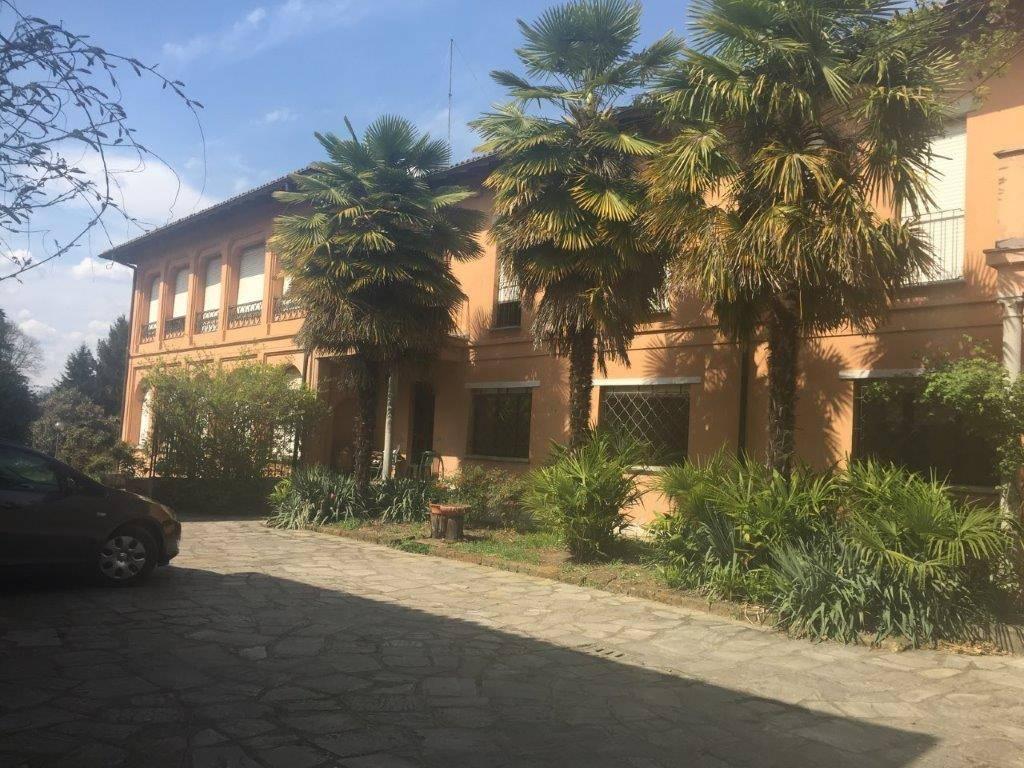 foto Esterno Dimora storica due piani, da ristrutturare, Castelletto Sopra Ticino