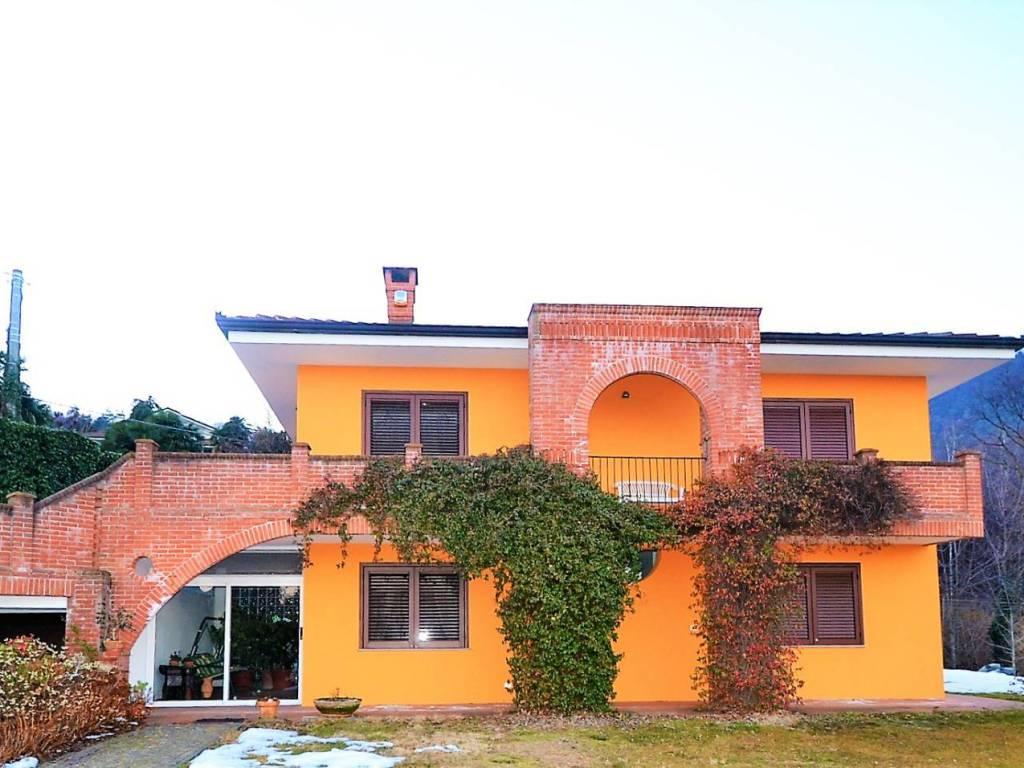 foto  Two-family villa via Rostagno, Roletto