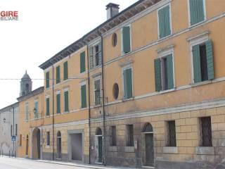 Photo - Building tre piani, to be refurbished, Marmirolo