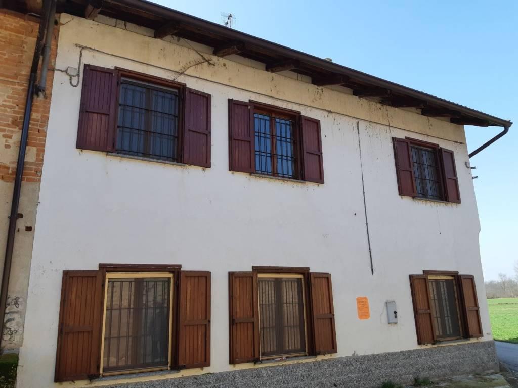 foto  Casa indipendente Località Cascine Malone 32, Volpiano