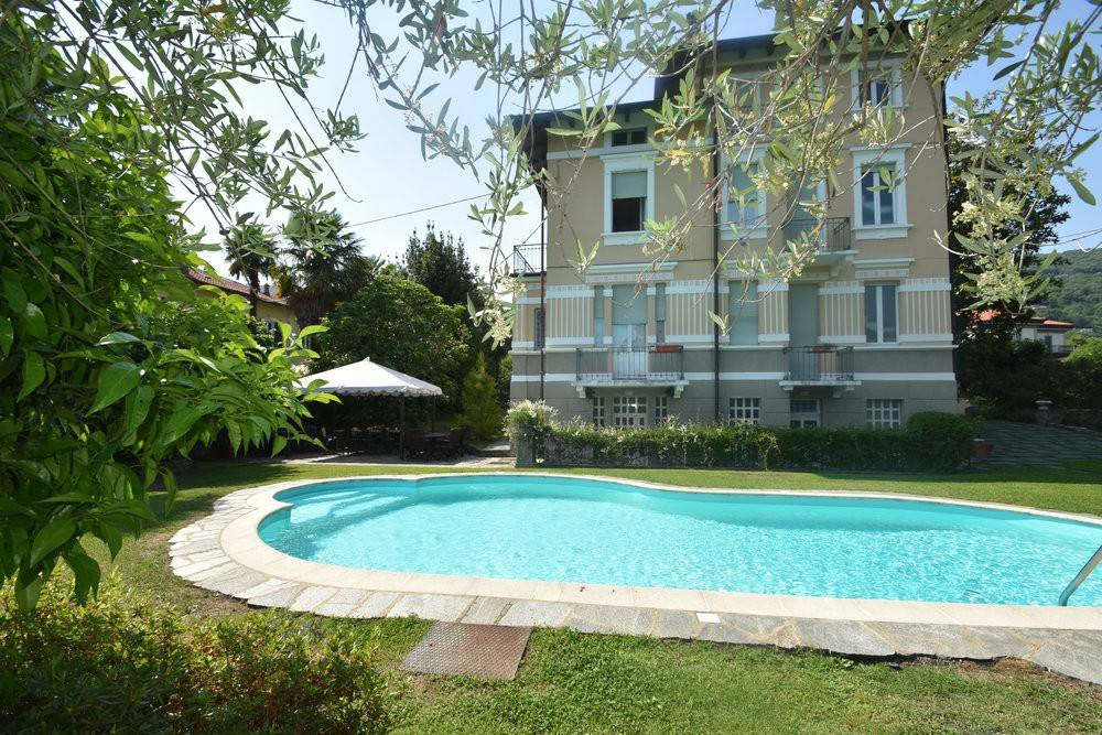 foto  Villa unifamiliare, ottimo stato, 350 mq, Lesa