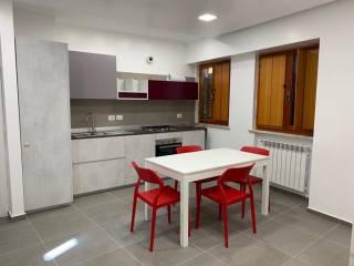 Foto - Trilocale ottimo stato, secondo piano, Avellino