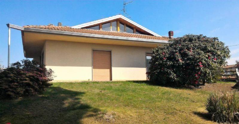 foto  Single family villa, good condition, 200 sq.m., Cressa