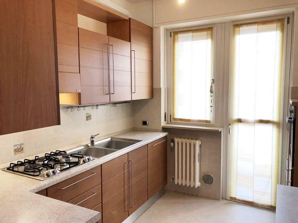 foto cucina Trilocale via Gran Paradiso, Novate Milanese
