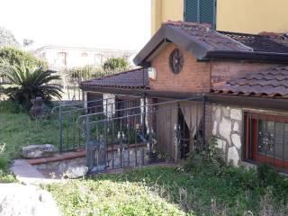 Foto - Quadrilocale buono stato, seminterrato, San Felice a Cancello