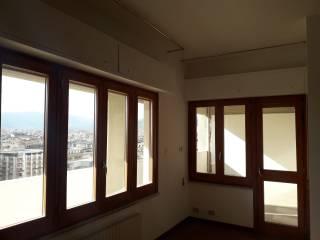 Case e appartamenti via salvatore puglisi palermo for Appartamento arredato palermo