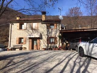 Case in vendita revine lago for Mobilio completo casa