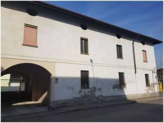 Photo - Building via Giulio Cesare, Lucernate, Rho