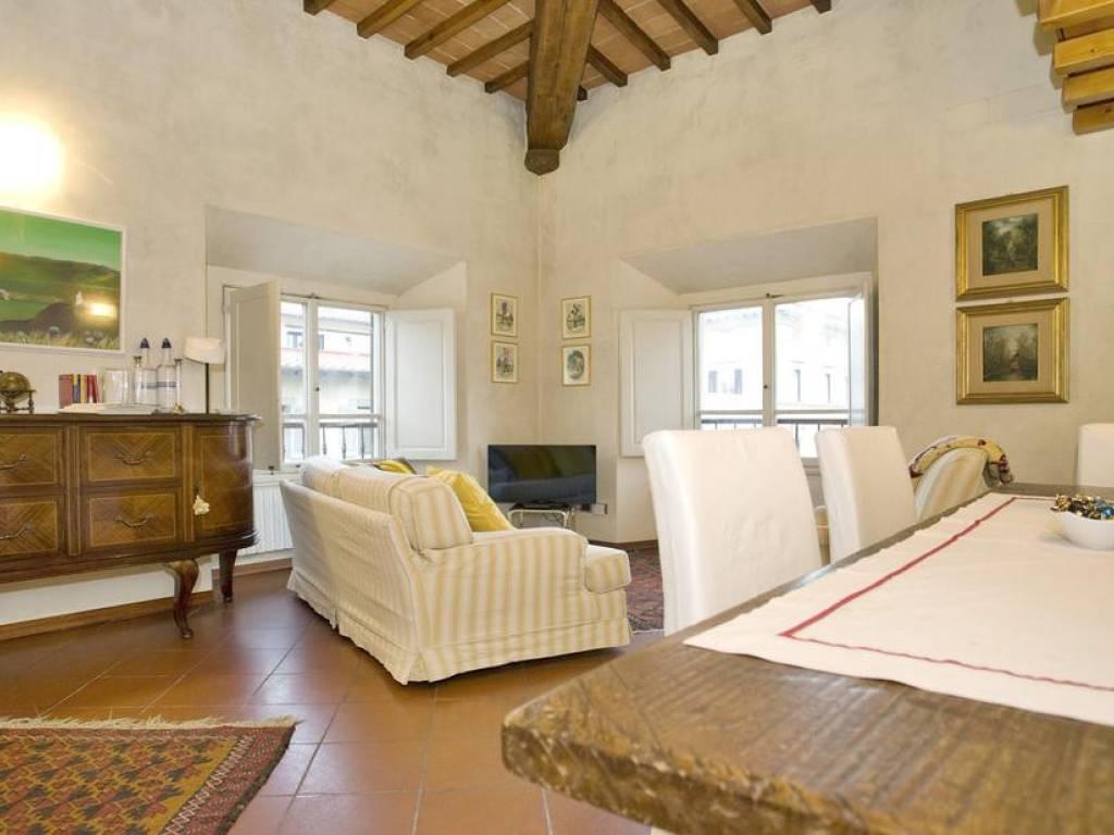 Vendita Appartamento Firenze. Trilocale in via dei Rondinelli. Buono ...