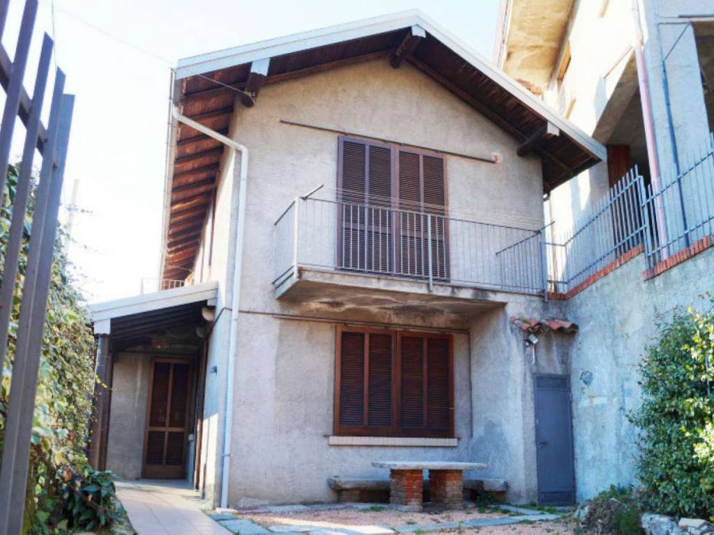 foto  Casa indipendente via MIRASOLE, Laveno-Mombello