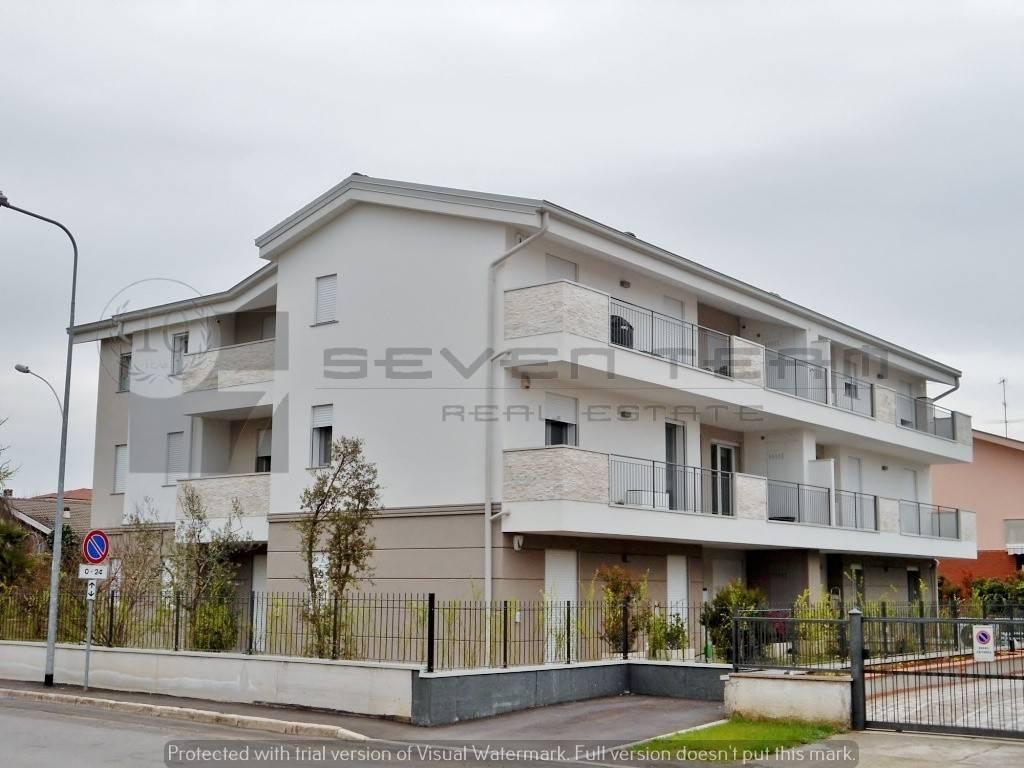 foto  3-room flat new, second floor, Cassano d'Adda