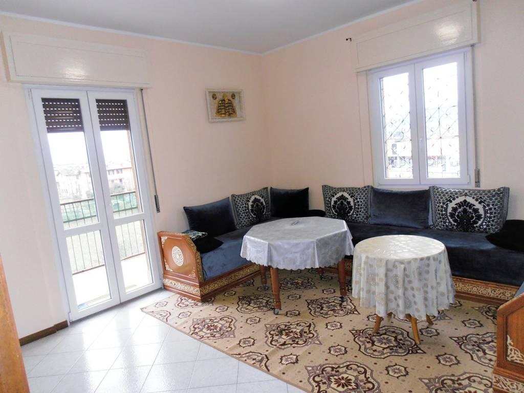 foto SOGGIORNO 3-room flat via Don Pietro Bonetti 45, Gorlago
