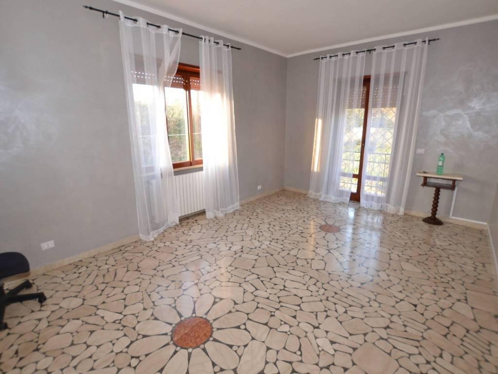 foto salone 4-room flat viale 1 Maggio, Marino