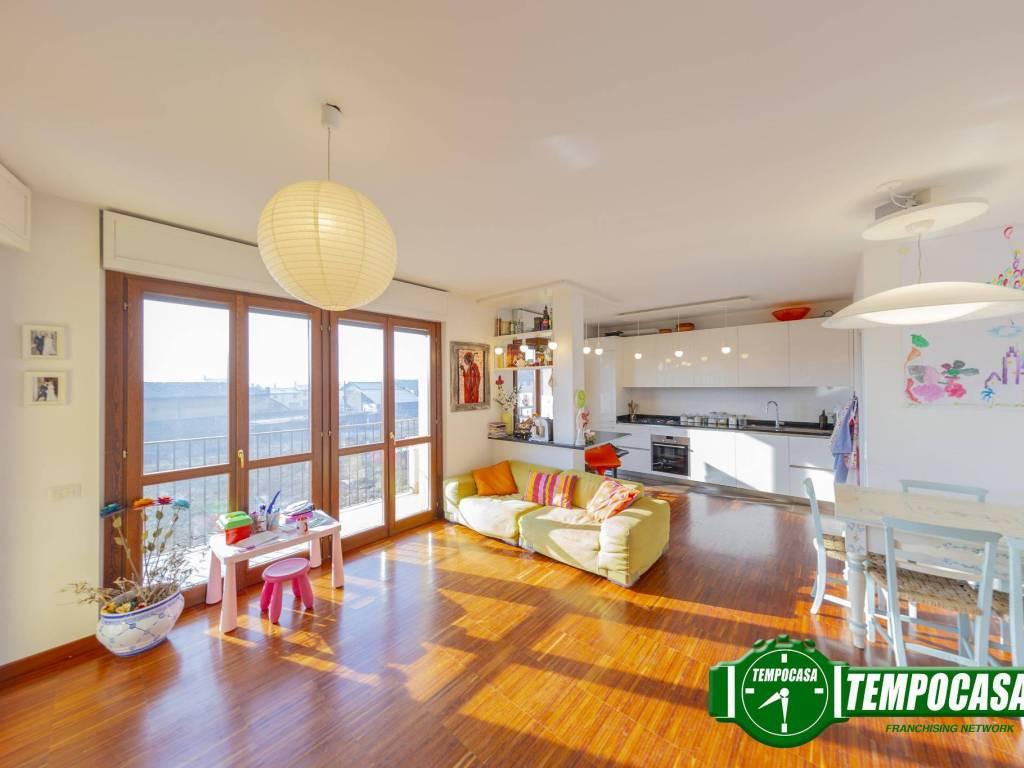 foto Soggiorno/cucina 4-room flat via Guido Rossa 7, Noviglio