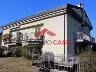 Foto - Quadrilocale via Sant'Ambrogio, Canovine, Bergamo