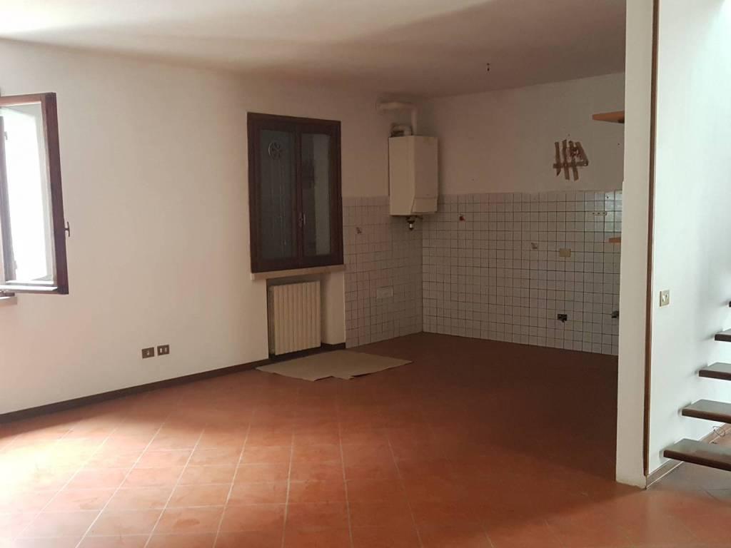 foto  3-room flat good condition, first floor, Luzzara