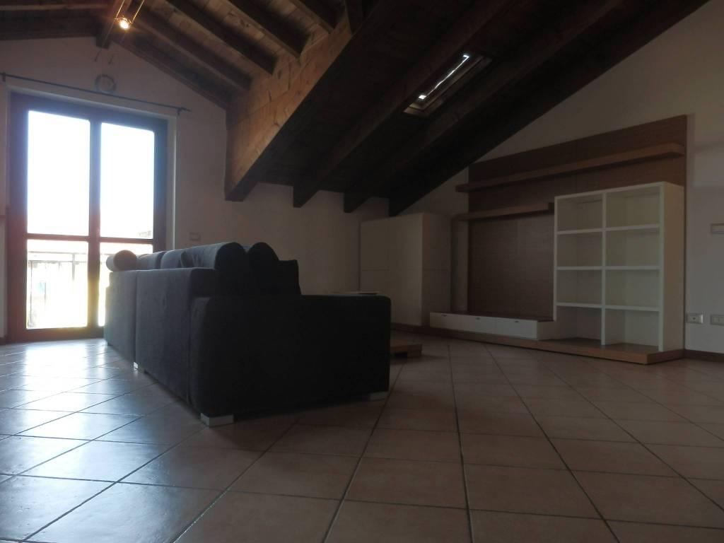 foto  3-room flat via Tito Speri, Arconate