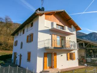 Foto - Villa unifamiliare frazione Vigo Lomaso 58, Vigo Lomaso, Comano Terme