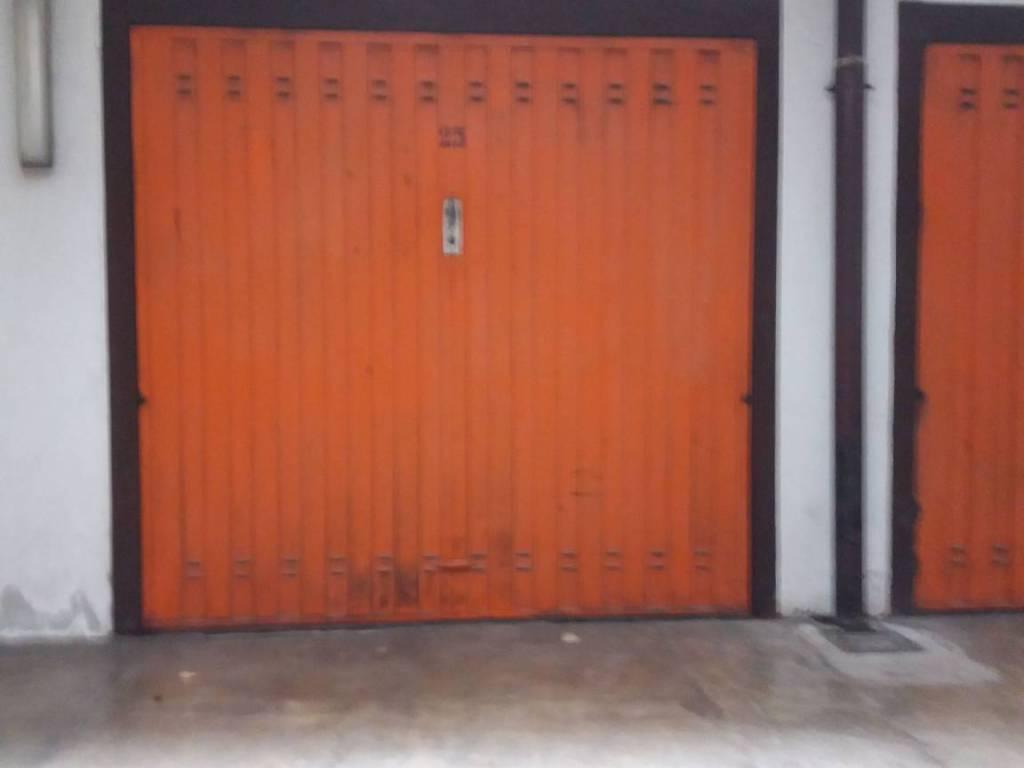 foto  Box / Garage via Domenico Scarlatti 2, Monza