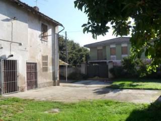 Foto - Rustico, da ristrutturare, 218 mq, Azzanello