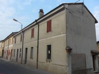 Foto - Casa indipendente 248 mq, da ristrutturare, Grumello Cremonese ed Uniti