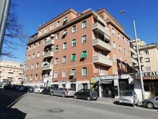 Case e appartamenti via luigi rizzo roma for Affitto roma cipro