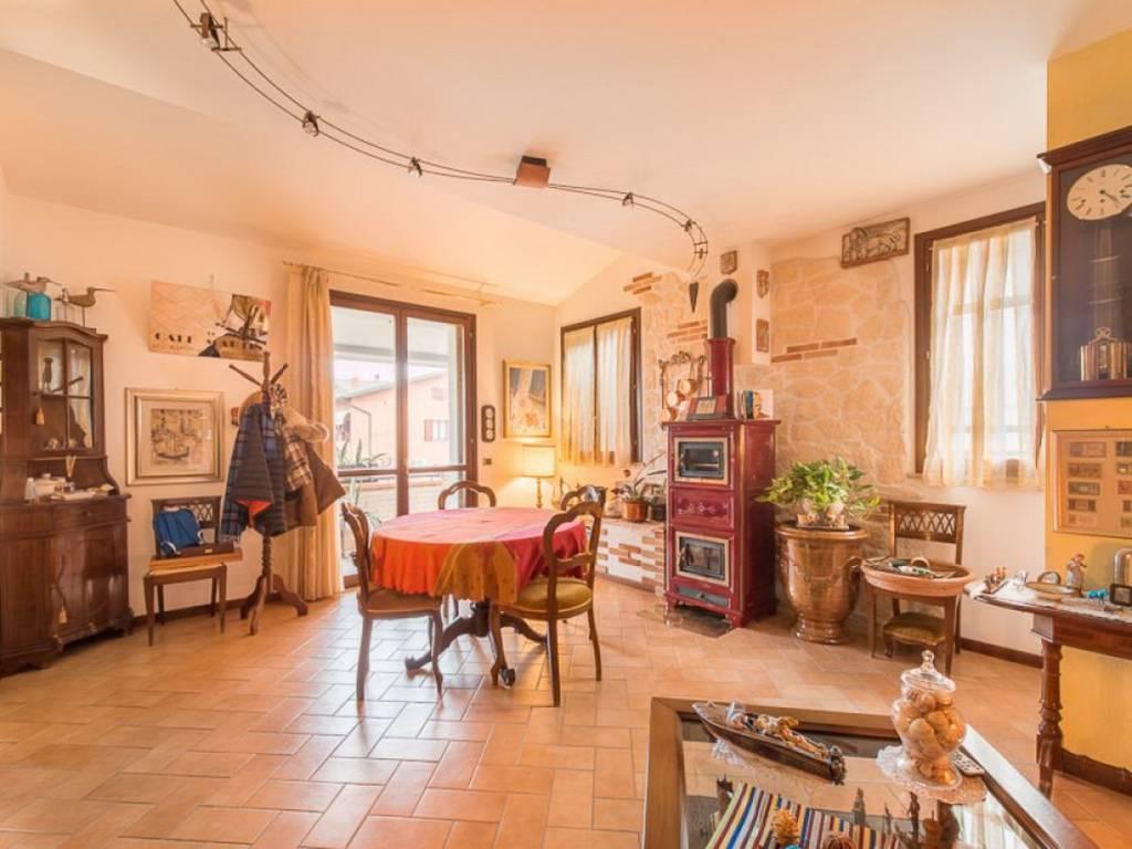 foto soggiorno Villa bifamiliare via Daniele da Torricella 4C, Reggio Emilia