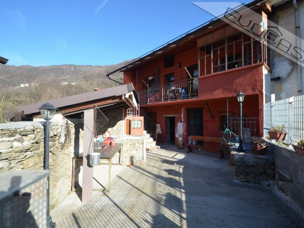 foto 1 Detached house Borgata Ramate 8, Pramollo