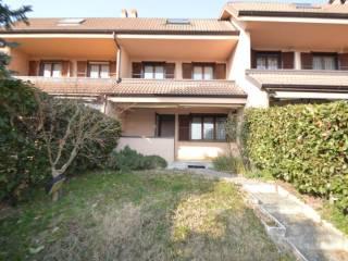 Photo - Terraced house via dello Zerbo 27, Opera