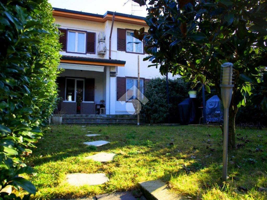 foto Esterno Terraced house via Giuseppe Mazzini, Cisliano