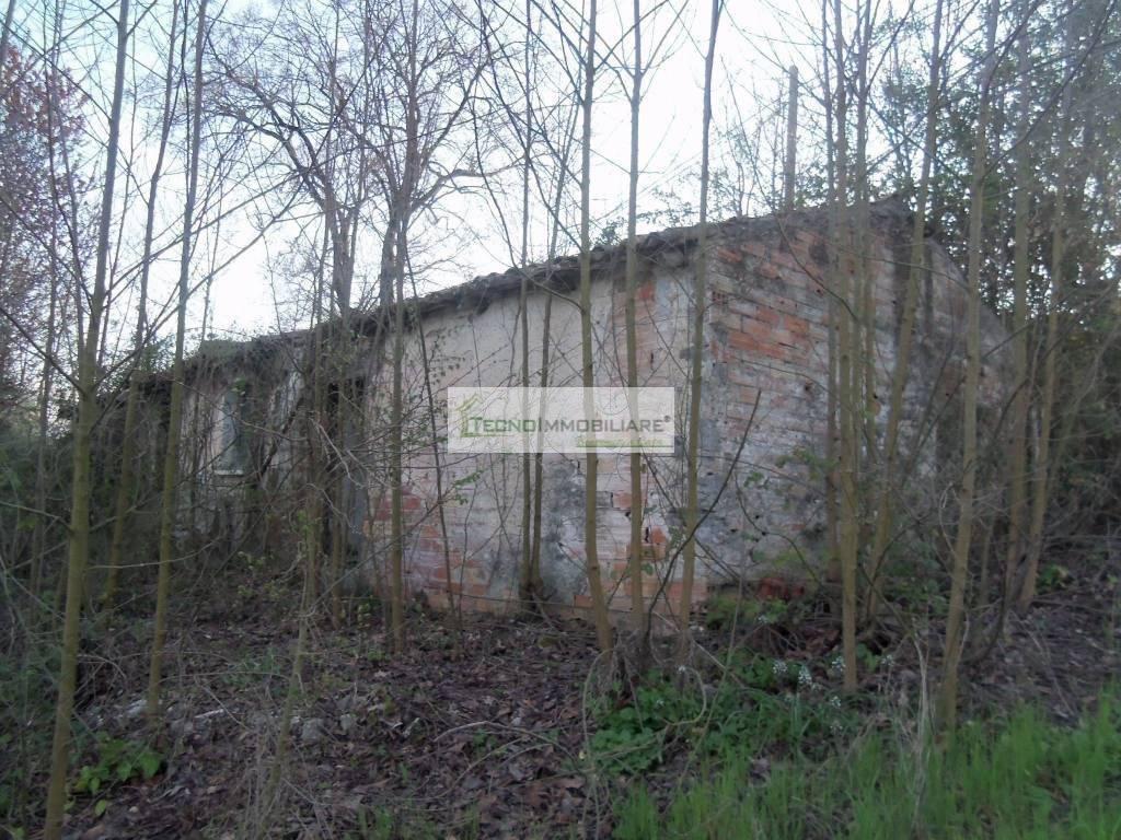 foto  Farmhouse, to be refurbished, 60 sq.m., San Giovanni Incarico