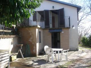 Foto - Casa indipendente Strada Comunale Varano de' Melegari 8, Pellegrino Parmense